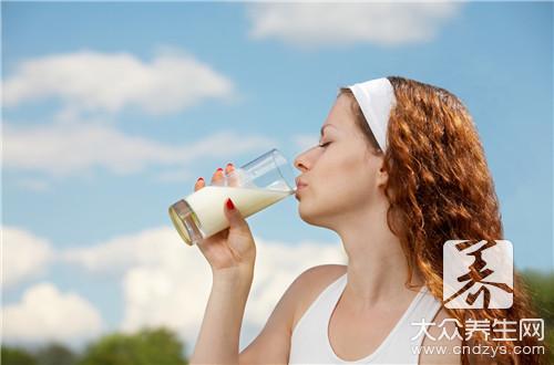 牛奶营养成分表